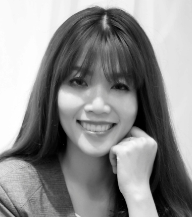 Quyen Bui | Biographer