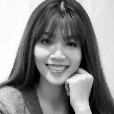 Quyen Bui   Biographer